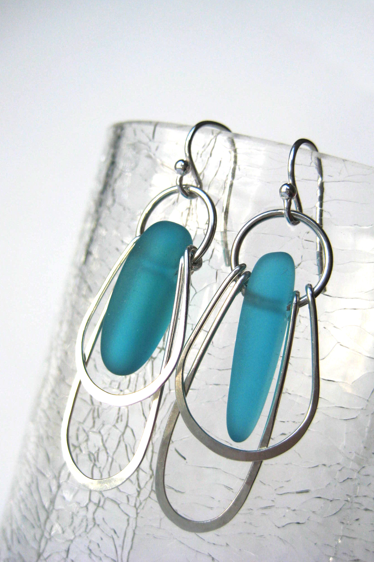 double loop.turquoise glass